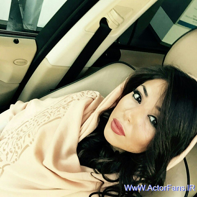 http://up.actorfans.ir/up/actpic/Pictures/93/Ax-Bazigaran/Hannaneh-Shahshahani/93/12/Axhaye%20Esfand%2093%20Hannaneh%20Shahshahani%20(01)%20--%20_ActorFans.IR_.jpg